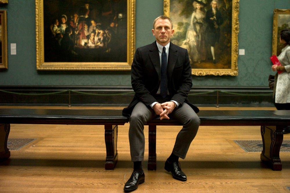 skyfall-2012-003-bond-in-national-gallery