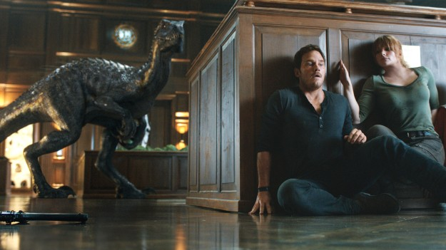 jurassic-world-review-a8780050-4d8a-477a-82da-e5a07915e840