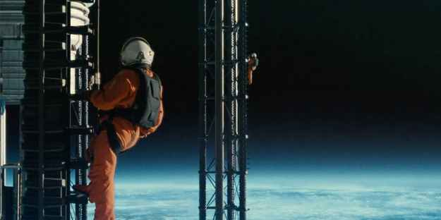 brad-pitt-just-chilling-on-this-giant-space-antenna-in-ad-astra.jpeg