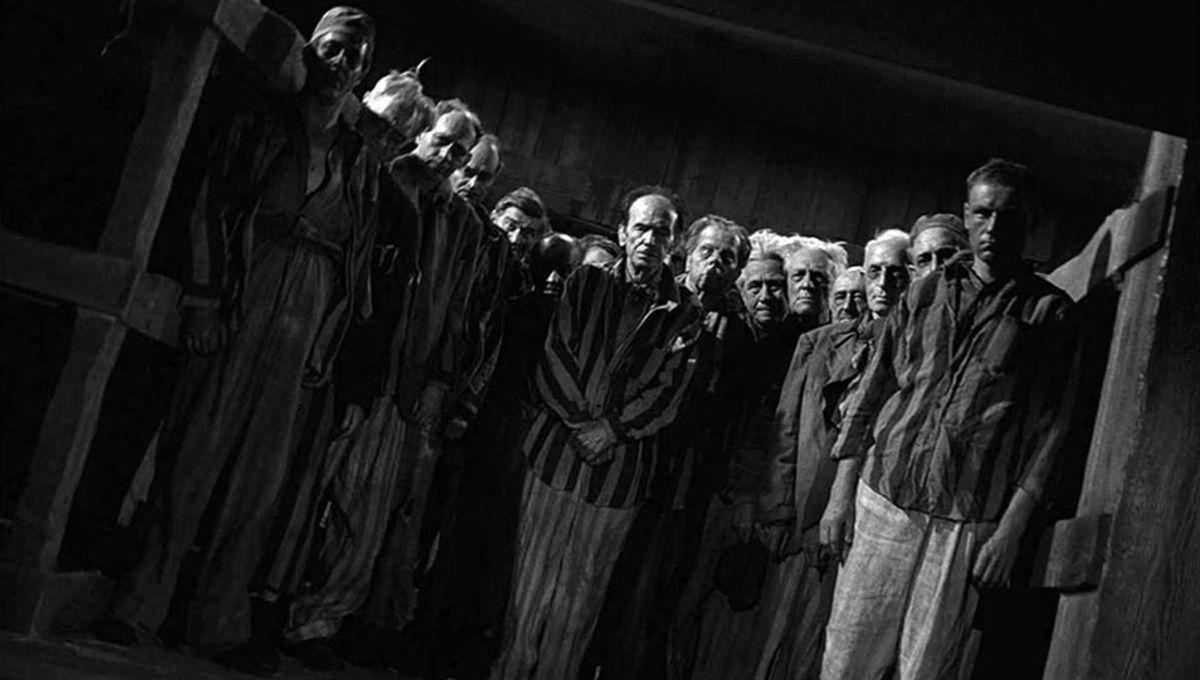 twilight_zone_deaths_head_revisited_01.jpg